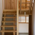 階段 居間より