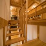 階段 中2階〜2階部 夜景