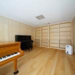 地階ピアノ室